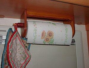 Idee e suggerimenti per il fai da te sul vostro veicolo - Porta rotolo carta da cucina ikea ...