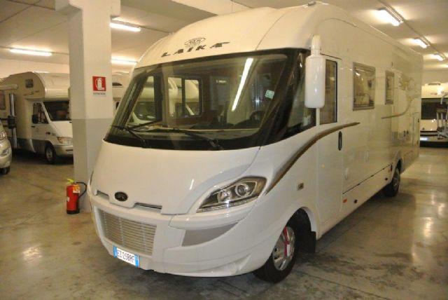 Motorhome laika kreos 7010 3000 180cv patente b for Laika camper