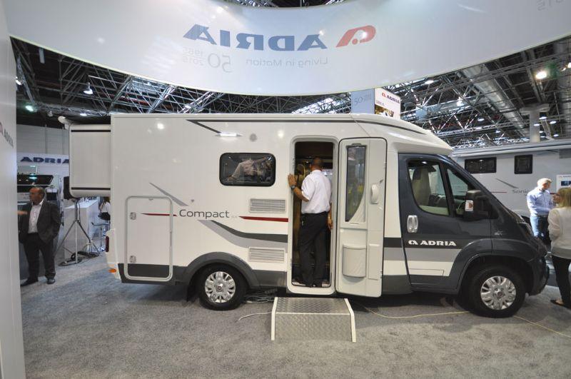 Model Adria Compact SL  Esterno Della Famiglia Compact Plus