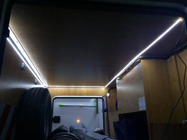 Plafoniere Garage Led : Illuminazione garage a led camperonline