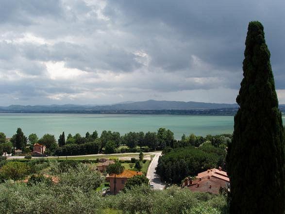 Lago trasimeno idee di viaggio in italia lazio for Idee di progettazione cottage lago