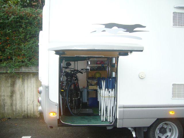 Come ho attrezzato il garage camperonline for Piani porta garage gratuiti