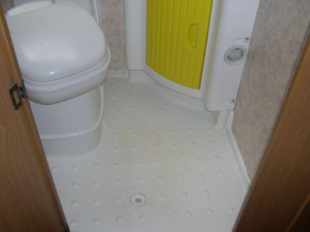 Riparazione Vasca Da Bagno Vetroresina : Riparazione vasca doccia e rifacimento pareti bagno camperonline