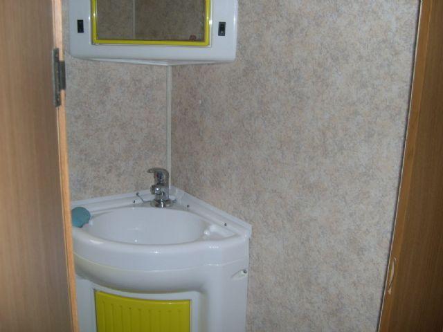 Riparazione vasca doccia e rifacimento pareti bagno camperonline - Rifare il bagno del camper ...