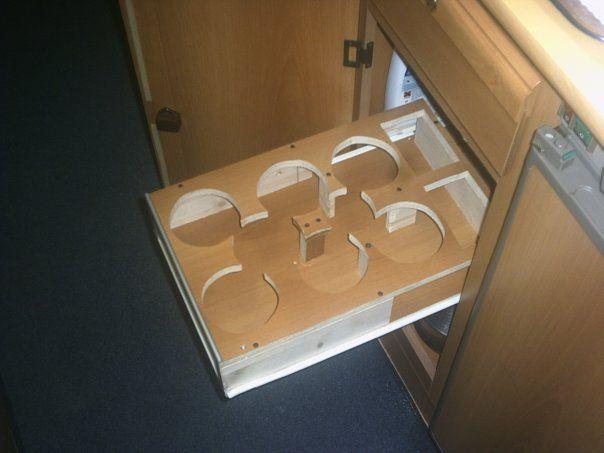 Porta olio e detersivi liquidi scorrevole camperonline - Mobile porta detersivi ...