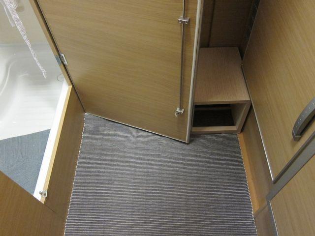 Scaletta In Legno Per Bagno : Alternativa alla scala per salire sul letto rialzato camperonline