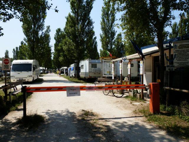 Area sosta camper area porto corsini porto corsini emilia romagna italia - Sosta camper bagno di romagna ...