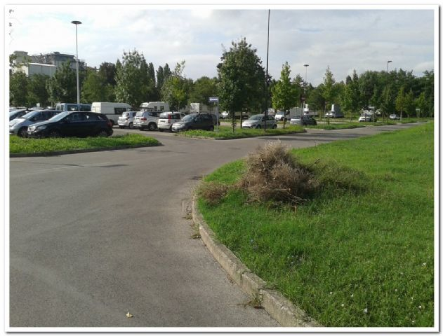 Area sosta camper Parcheggio Forl�, 01/04/16