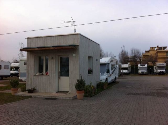 Area sosta camper Parking Rio Pircio, 25/05/16