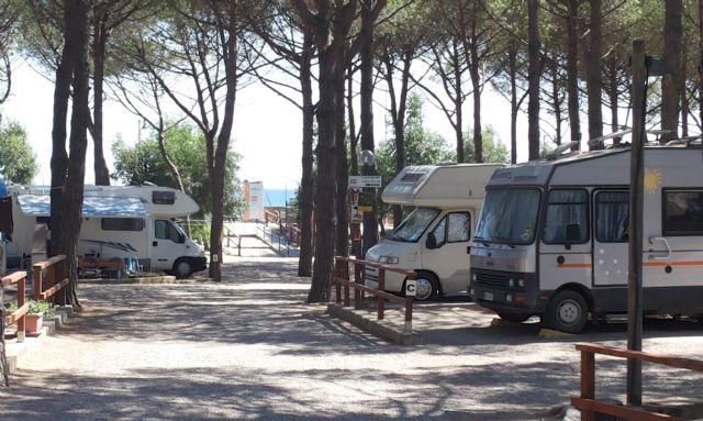 Campeggio case vacanza lungomare camping a cropani marina for Casa vacanza piani lungomare