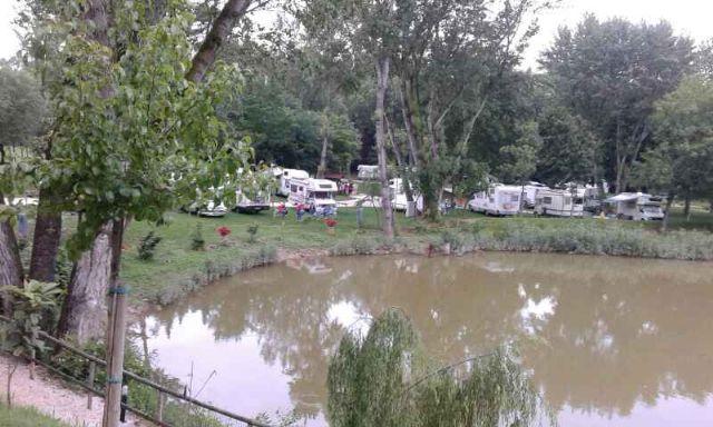 Area sosta camper Camperisti di Monzambano, 09/06/16