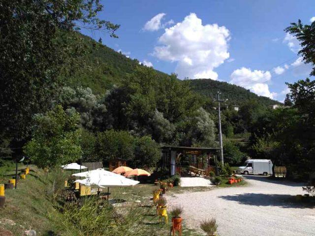 Area sosta camper area sosta camper sant 39 anatolia di narco pg umbria italia - Sosta camper bagno di romagna ...