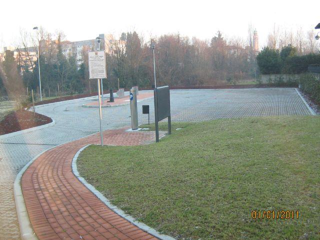 Area sosta camper Parcheggio, 01/04/16