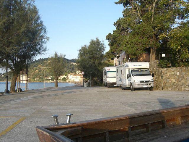 Area sosta camper a Pioppi,SA, 24/01/11