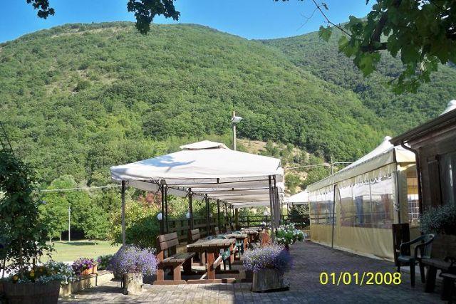 Area sosta camper Lago di Sefro, Ristorante Lago di Sefro, 18/06/12