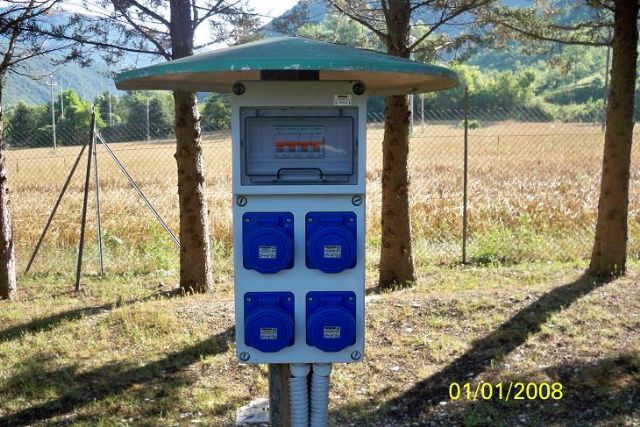 Area sosta camper Lago di Sefro, Impianto di corrente, 18/06/12