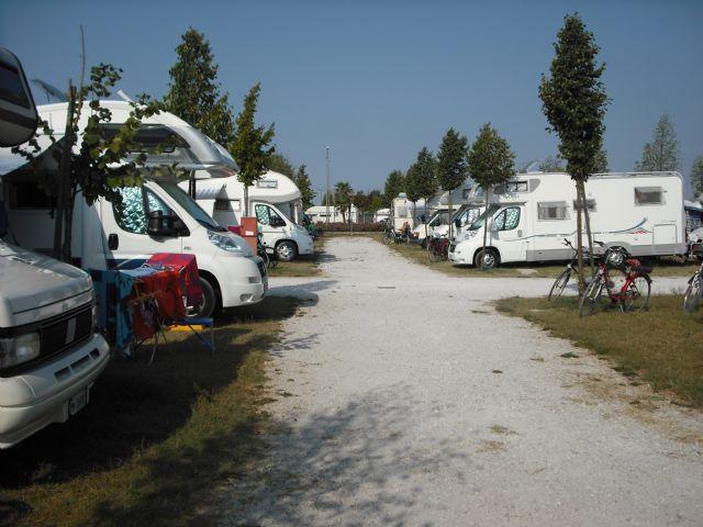 Area sosta camper Camping Albatros, 07/06/16