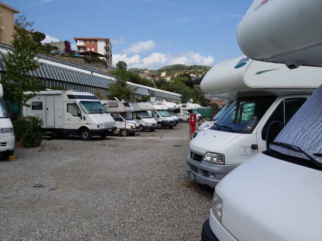 Area sosta camper Il Pozzo, il Sabato la situazione cambia, meglio chiamare per verificare se c' e' posto., 09/10/16