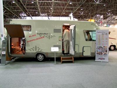 Immagini dal caravan salon di dusseldorf 29 agosto 6 for Disegni di garage rv