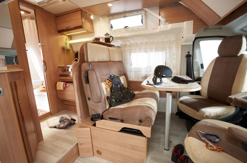 Lusso caravan presenta camp reve - Interni camper di lusso ...